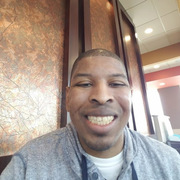 Steven Elliott, 47, г.Чикаго