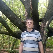 андрей, 38, г.Магдалиновка