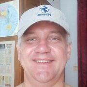 Олег, 49, г.Гайсин