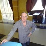 Игорь, 47, г.Артемовский
