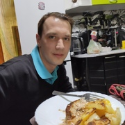 Илья, 29, г.Гатчина